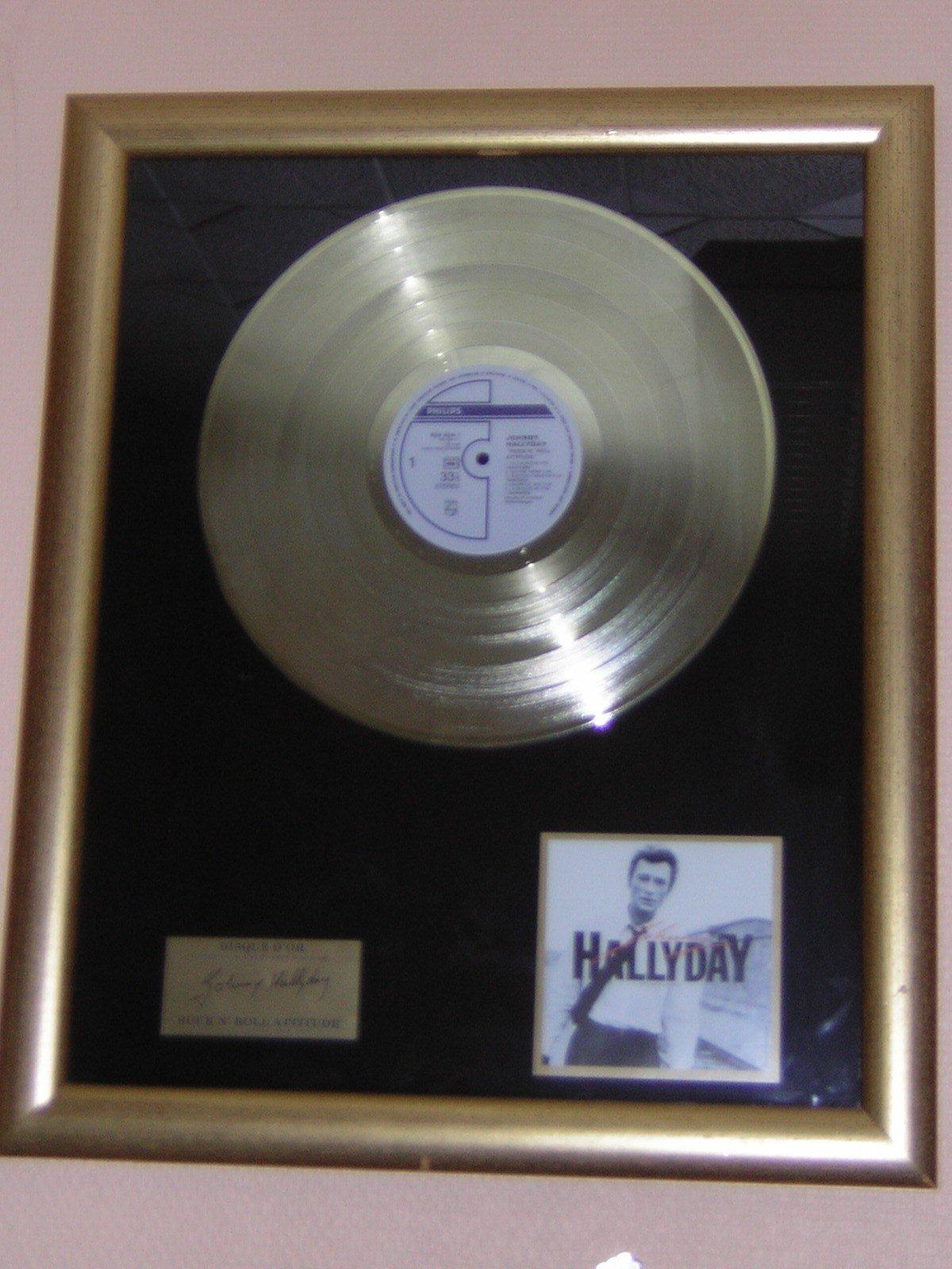 le boulevard du rock johnny hallyday superbes disques d or de platine de diamant. Black Bedroom Furniture Sets. Home Design Ideas